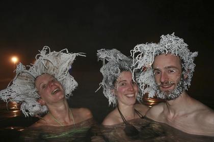 [新聞] 零下30度泡溫泉 頭髮全成了這樣