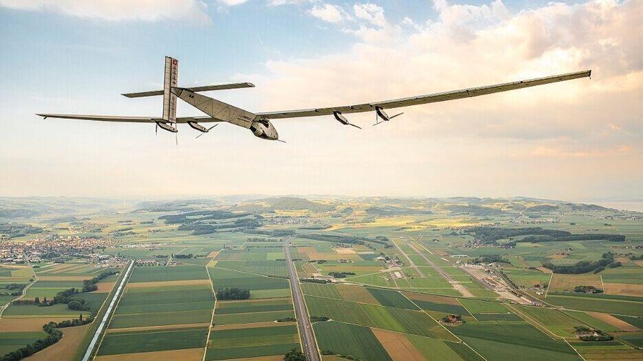 [新聞] 解密最大太陽能飛機:電池板厚度如頭髮絲
