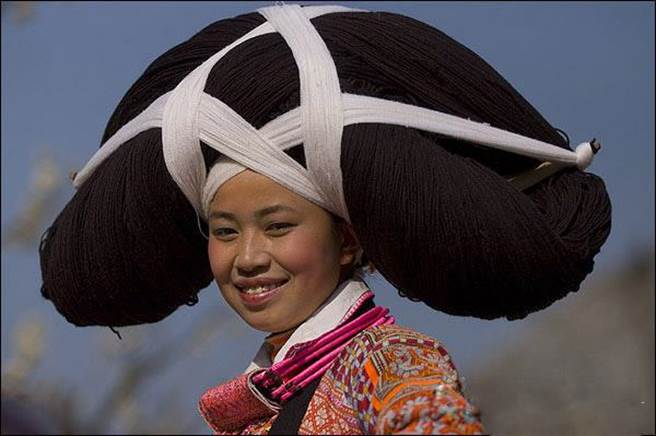 [新聞]這個民族風俗太奇特 頭上竟有死人頭髮…
